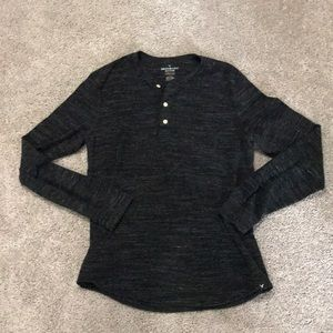 American eagle M thermal Henley!